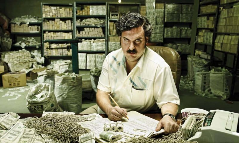 pablo escobar with his money
